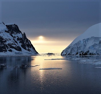 Antarctica, Lemaire Channel, At Midnight