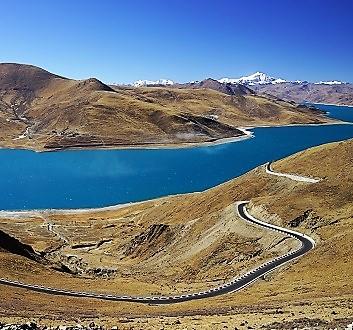China, Tibet, Yamdrok Lake