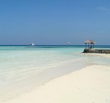 Maldives, Kuda Huraa Island