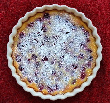 Clafoutis aux Cerises with Powdered Sugar