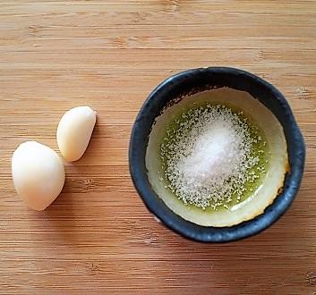 Garlic, Salt