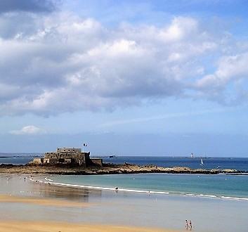 France, Brittany, Saint-Malo Beach & Fort National