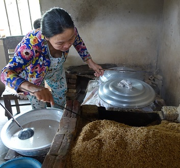 Vietnam, Making Rice Paper