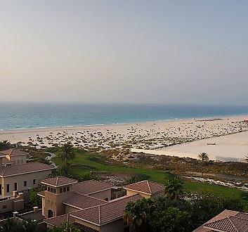 UAE, Abu Dhabi, St. Regis Saadiyat Island, Abu Dhabi, Beach