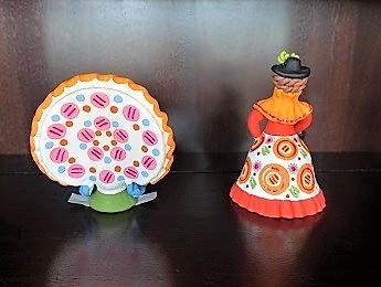 Russia, Lady Figurine and Turkey Figurine