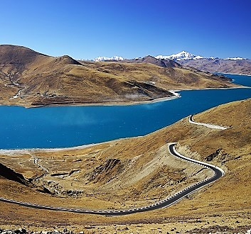 China, Tibet, Yamdrok Lake