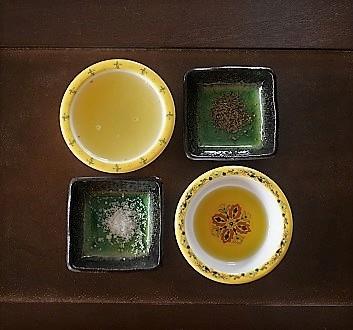 Lemon Juice, Olive Oil, Sea Salt, Black Pepper