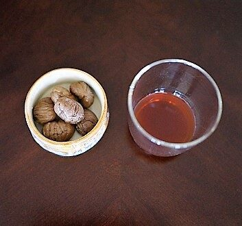 Chestnuts, Apéritif à la Châtaigne